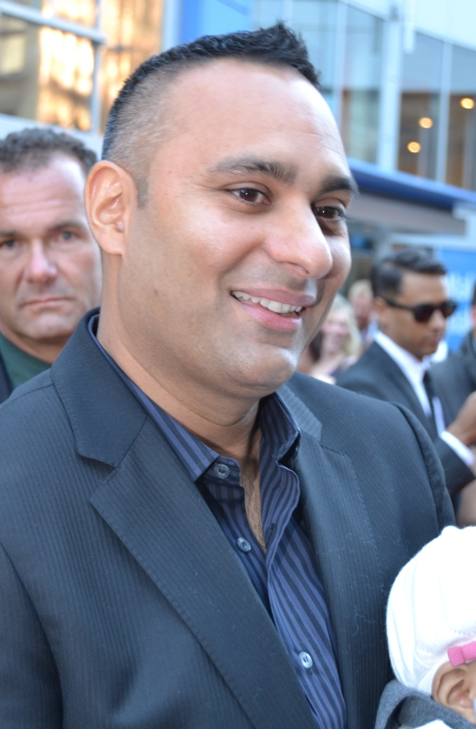 2011 CWOF Canada Walk Of Fame Red Carpet - Russell Peters