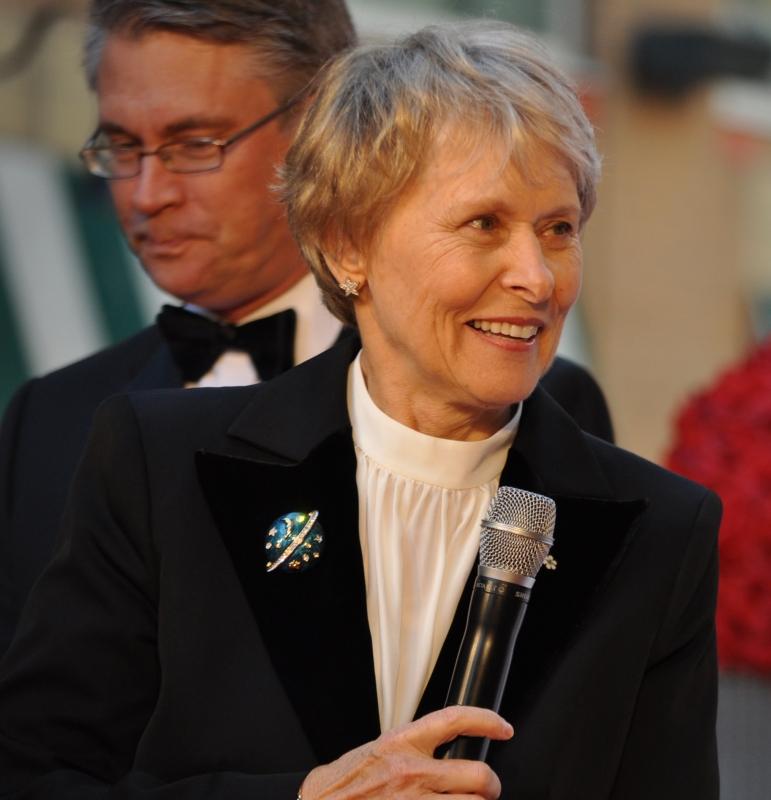 2011 CWOF Canada Walk Of Fame Red Carpet - Dr. Roberta Bondar