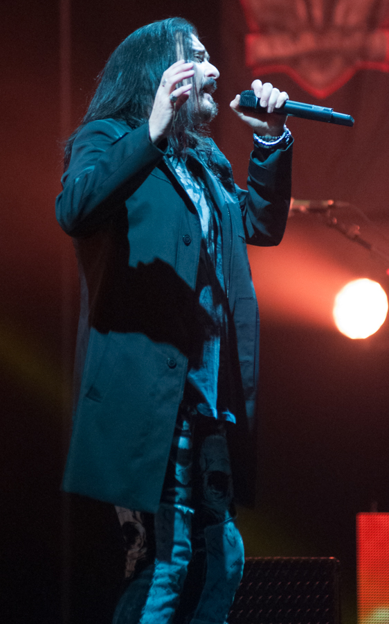 DREAM THEATER - ASTONISHING - APRIL 16, 2016 at SONY CENTRE FOR THE PERFORMING ARTS - James LaBrie
