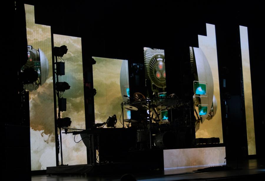 DREAM THEATER - ASTONISHING - APRIL 16, 2016 at SONY CENTRE FOR THE PERFORMING ARTS - The Machines
