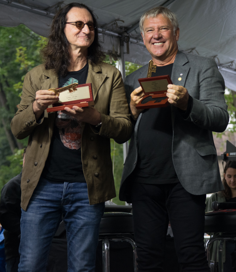 Lee Lifeson Art Park - Geddy Lee and Alex Lifeson with their Keys