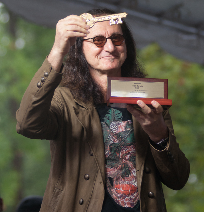 Lee Lifeson Art Park - Geddy Lee with his key To The City